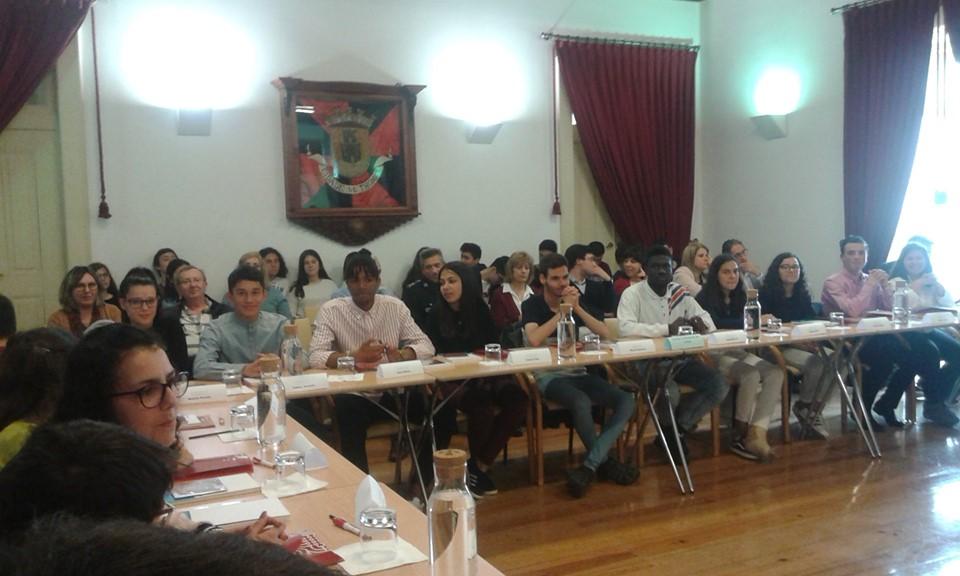 Alunos da EPTomar participam na Assembleia Municipal Jovem